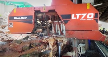 LT70 Remote Sawmill in action in South Africa -...